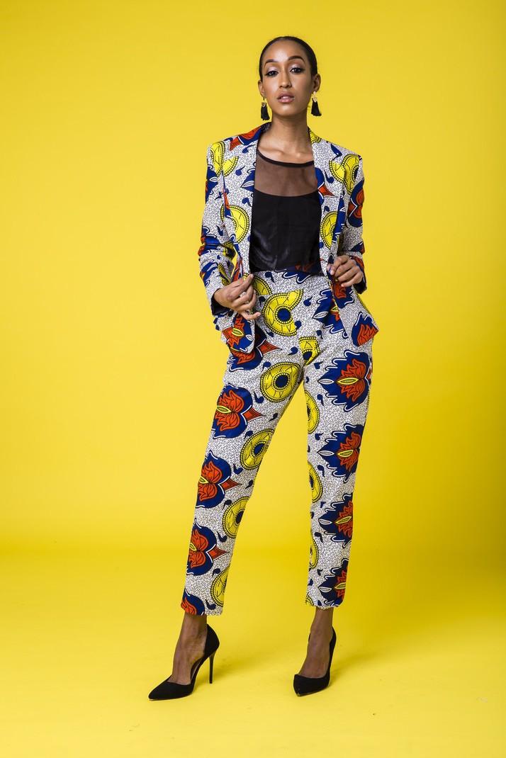 d06c77c78d1f6 Ankara Pantalon - Costumes et tailleurs Femme multicolore, look intégral  wax, wax, pour elle, wax, les beaux jours