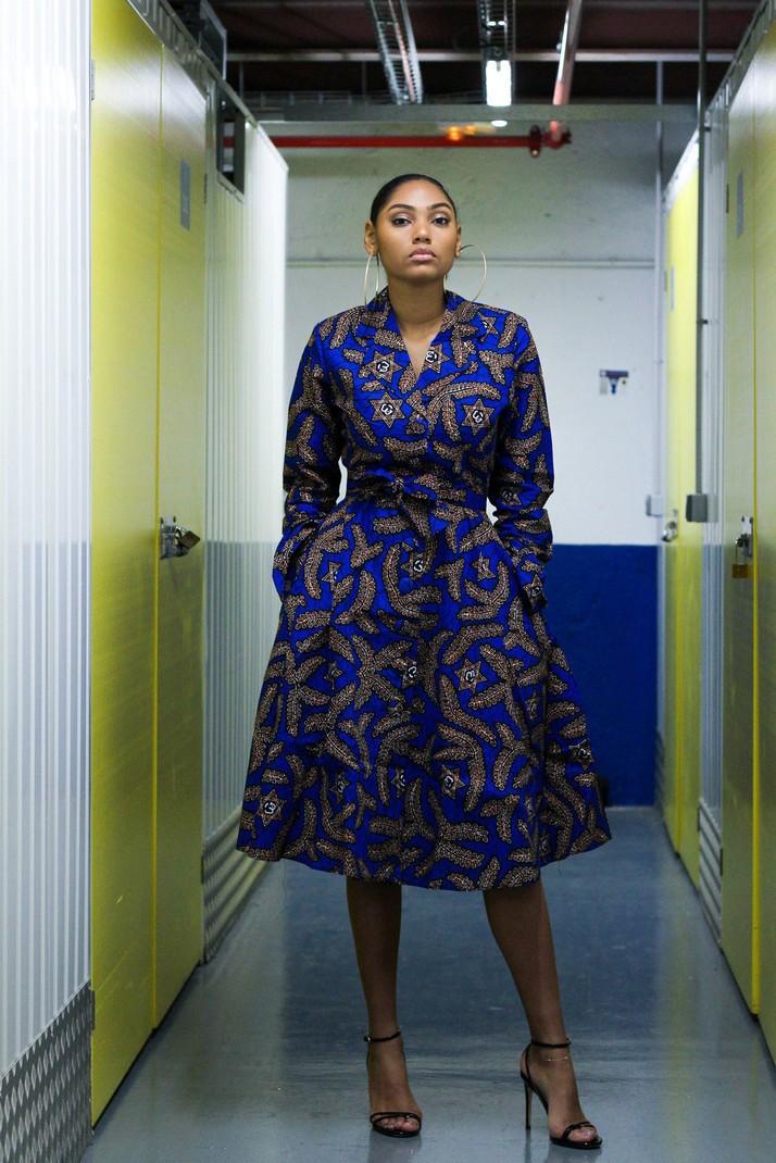 41c853760b6 Robe chemise ovalevi blue par bazara-pagne - Robes Mi-longues - Afrikrea
