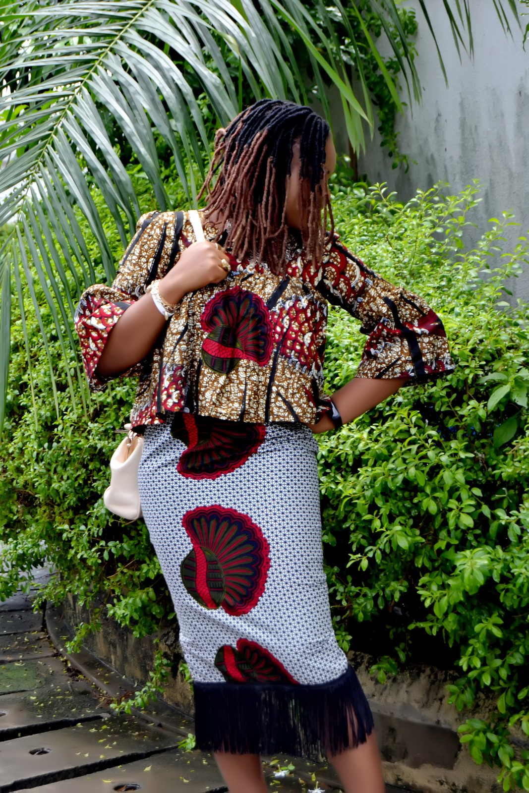 Difference Niveau Entre 2 Pieces riki african print midi fringe skirt & blouse