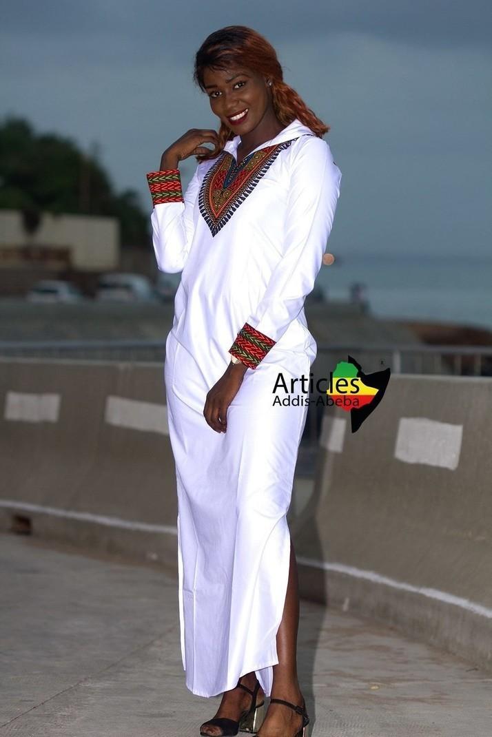 Longue robe capuche Addis-abeba par articles-addis-abeba - Robes ... d7571addfddd