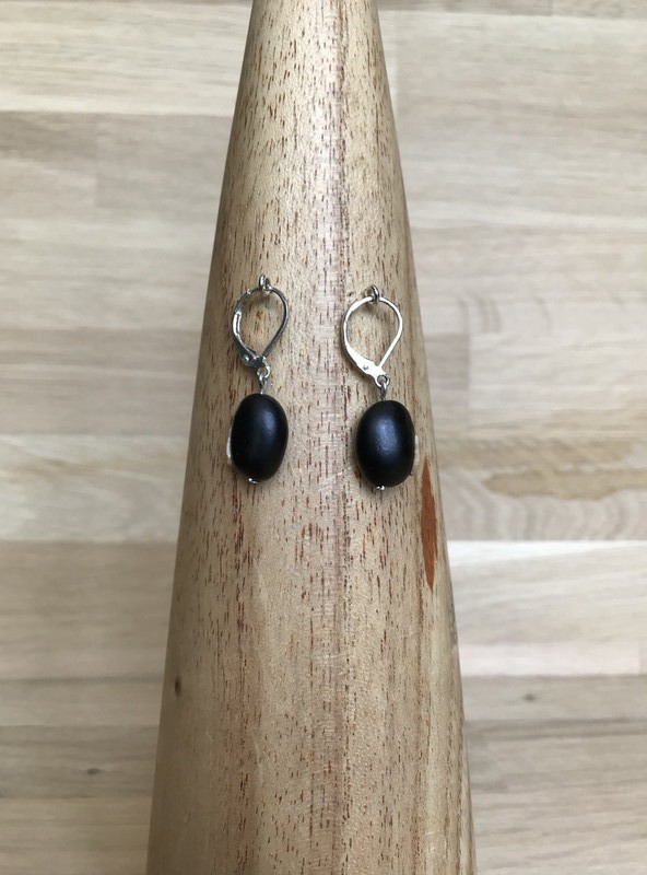 925 silver earrings in natural tropical seeds - Hanging drops earrings  black, , for her, pierced earrings, silver, discreet pieces