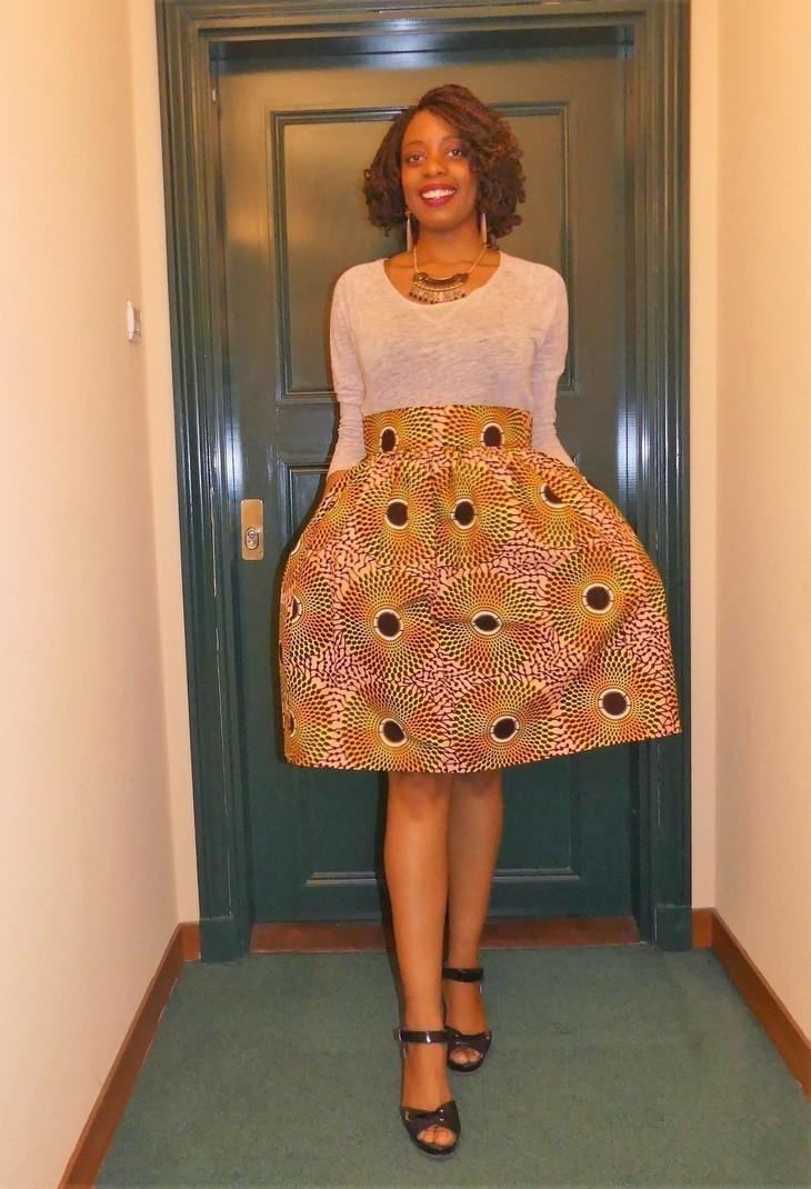 bbaec40ab2a jupe courte froncée patineuse en wax ( pagne africain ) par ...
