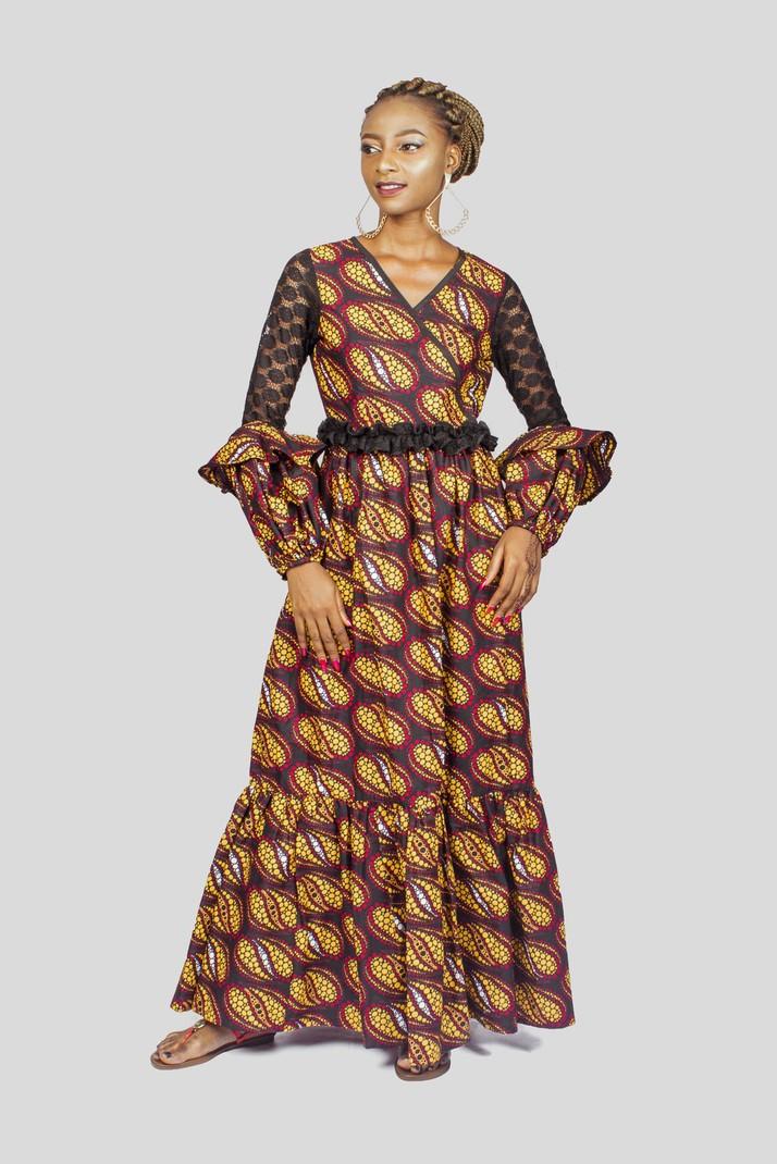 7ecaa35275d Ankara et maxi robe à manches en dentelle par wandizi - Robes ...
