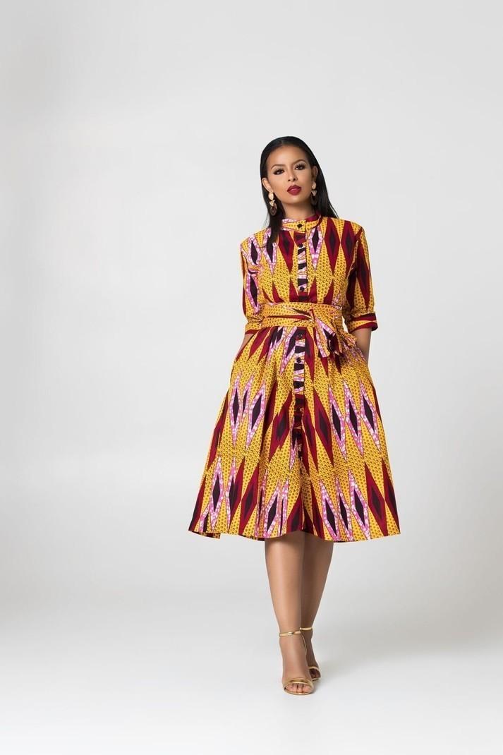 5ee9416fc0 Robe longue victorienne à imprimé africain par grass-fields - Robes ...
