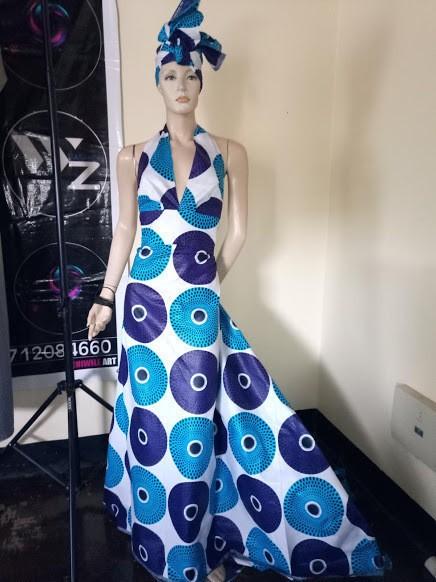475b6cc56c9 Robe africaine de cocktail Princesse Oceane avec traine - bleu et ...
