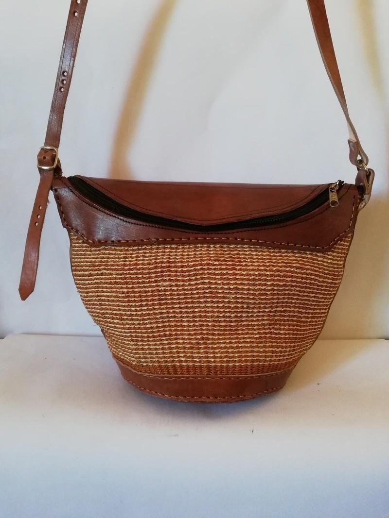Sac en sisal tissé africain, sac à bandoulière tissé, sac à main tissé, sac de plage, sac dété, cadeau de maman Sacs à bandoulière kaki, cuir