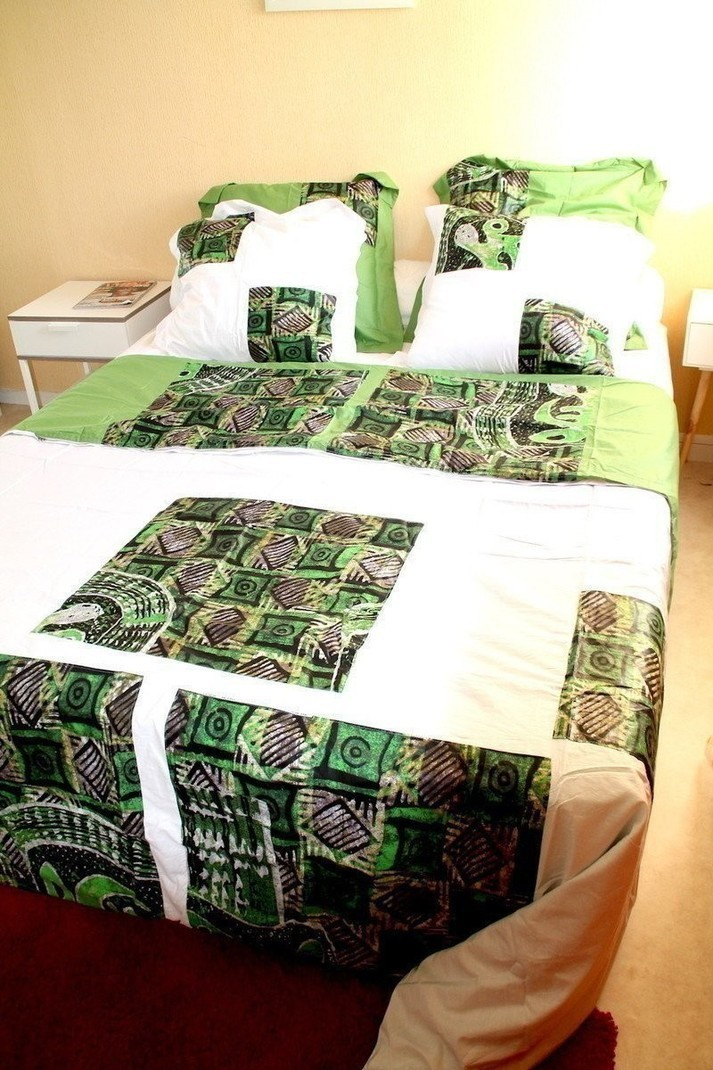 latest ylbtnas large with housse de couette afrique. Black Bedroom Furniture Sets. Home Design Ideas