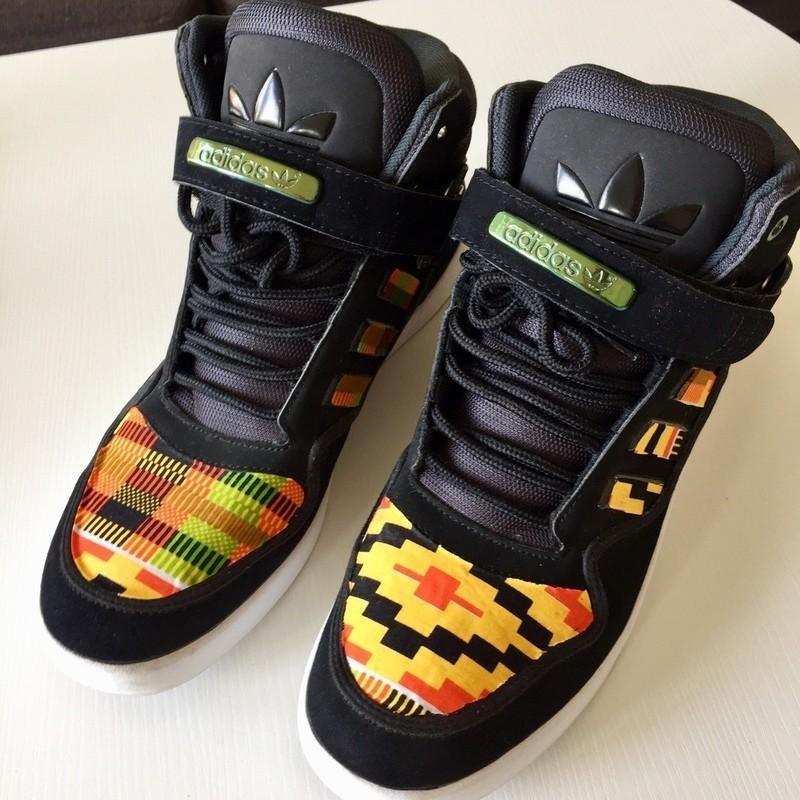 Baskets Adidas customisées en Kente pointure 45 13 Baskets jaune, pour elle, kente