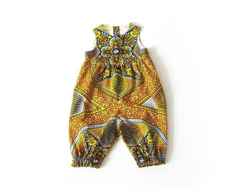 3711750dc229a Combishort bébé fille orange et jaune Ankara par oonaloo - Vêtements ...