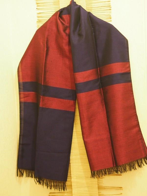 Echarpe Grenadine soie amp coton par decorartextiles - Echarpes ... 6326d5a9b73
