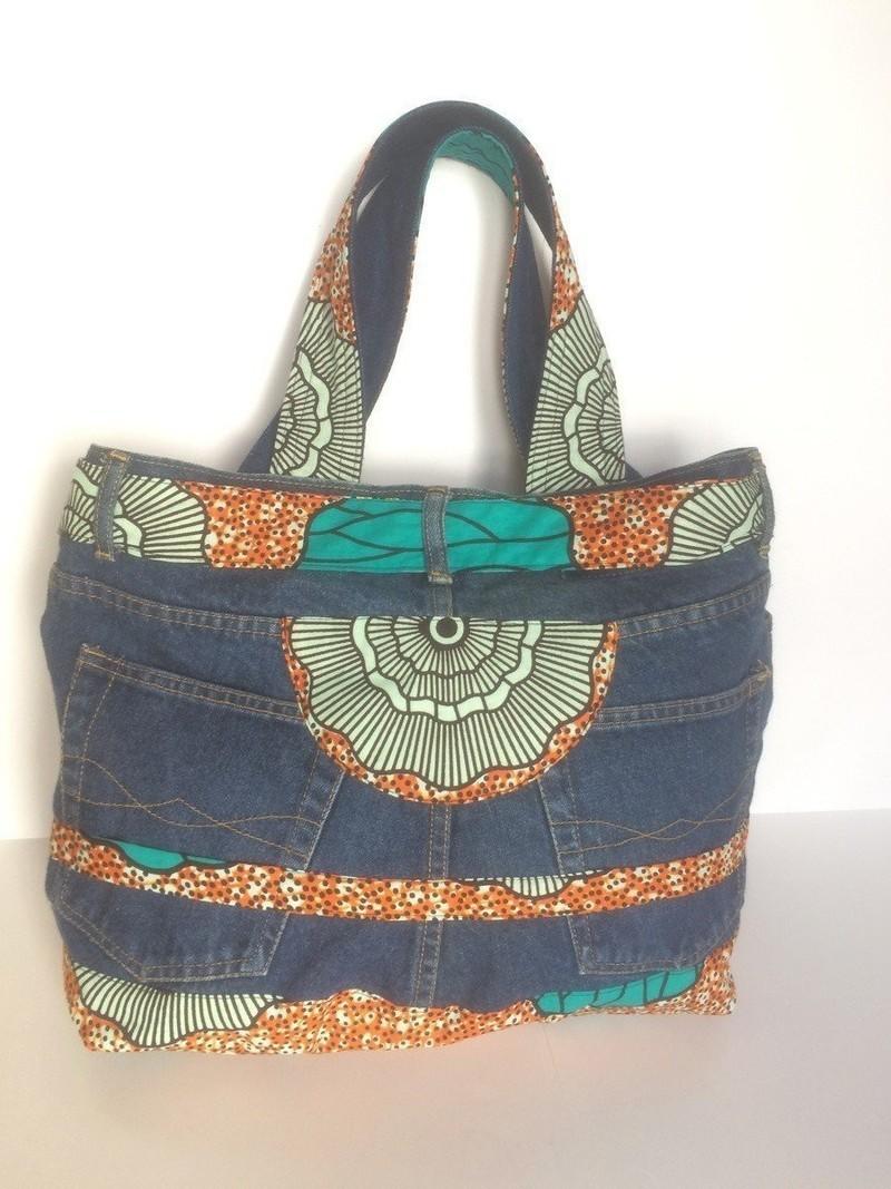 d6c9f897ae33 Upcycling - Sac en jean recyclé et wax tissu motif africain par ...