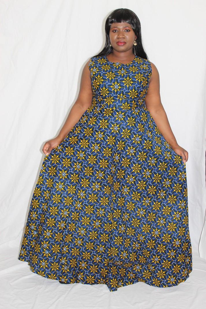 c131fe799a6 Robe wax longue évasée par dreky-exo - Robes longues - Afrikrea