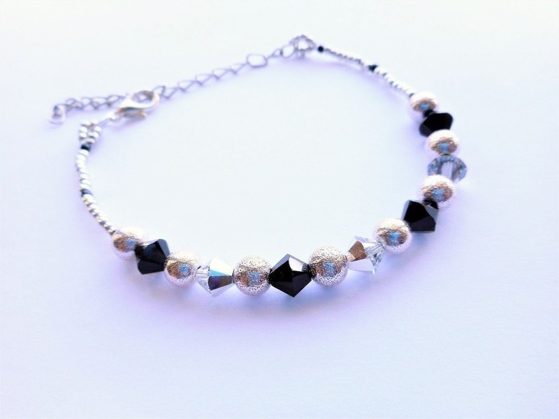 Simple Bracelet in Swarovski Crystal Beads, Rocaille, Nickel-free ...