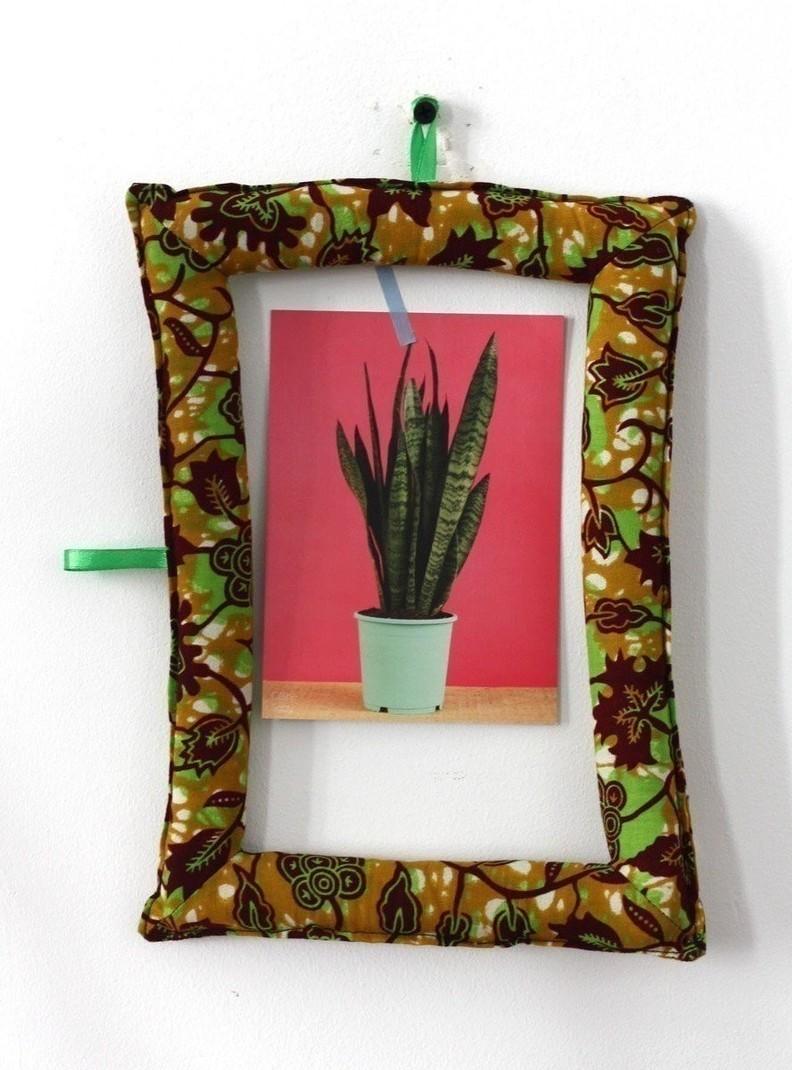 cadre photo en wax (tissu africain) - moutarde vert et bordeaux par