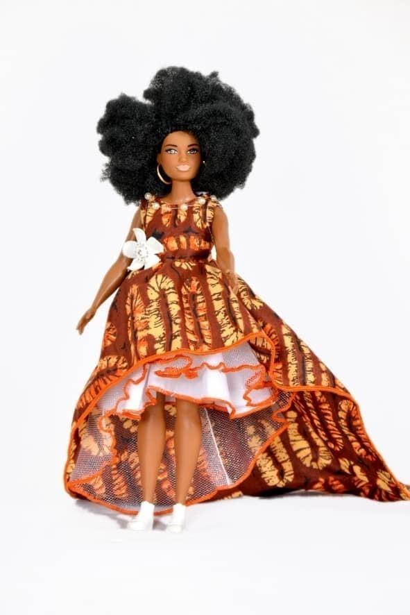 Un Fourni Barbie Fashionistas Poupée Choix de poupées Tall petite nouvelle