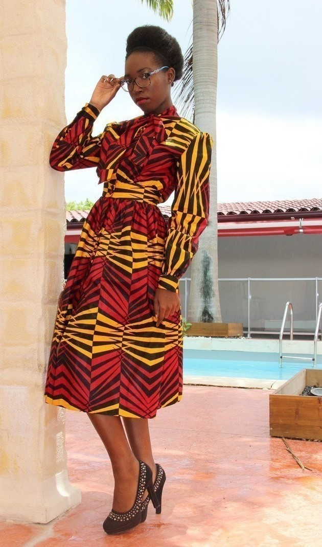 robe l gante en wax pagne par bikeli crea robes courtes afrikrea. Black Bedroom Furniture Sets. Home Design Ideas
