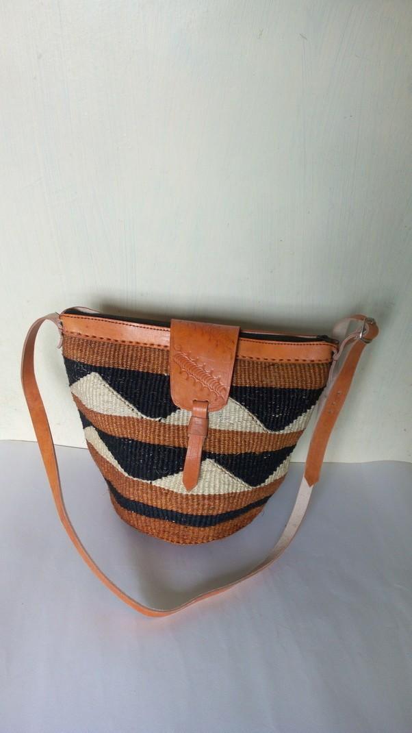 Sac en sisal tissé africain, sac à bandoulière tissé, sac à main tissé, sac de plage, sac dété, cadeau de maman Sacs à bandoulière marron, cuir