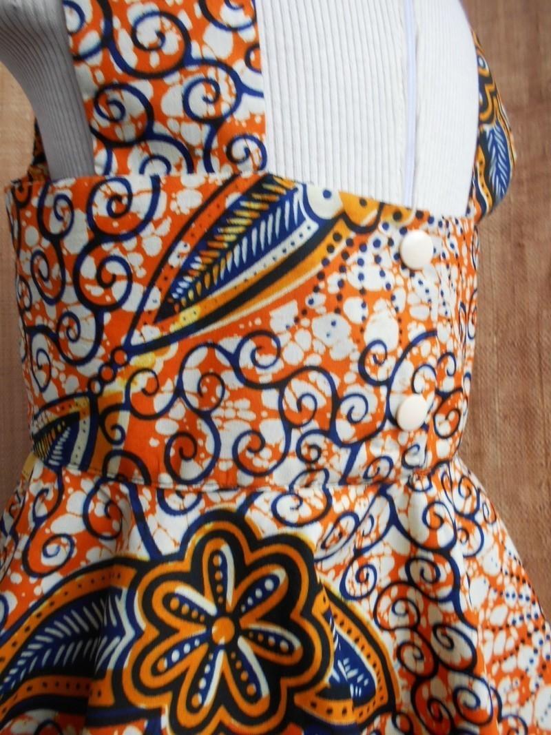f169902de787 Robe fillette à bretelles, wax jaune bleu motifs floraux, avec jupe ...