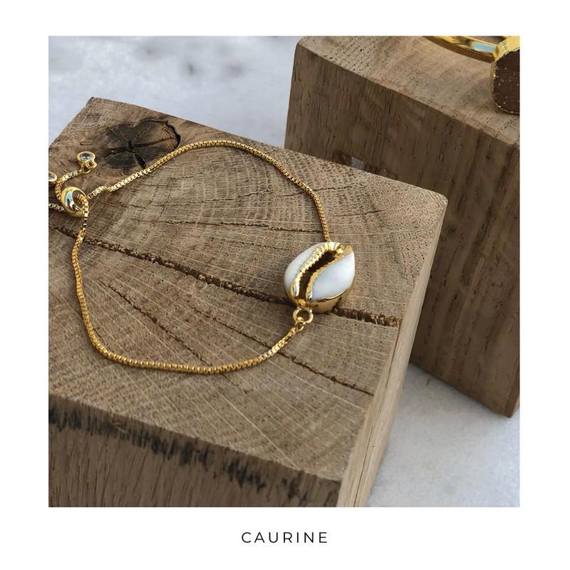 ab15559182a1 Caurine 🐚Bracelet doré à l  or orné d un cauri Blondie par caurine ...