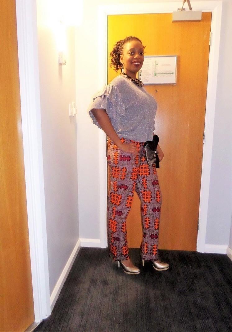 pantalon coupe droite et taille haute en wax pagne africain par pag afrikrea. Black Bedroom Furniture Sets. Home Design Ideas