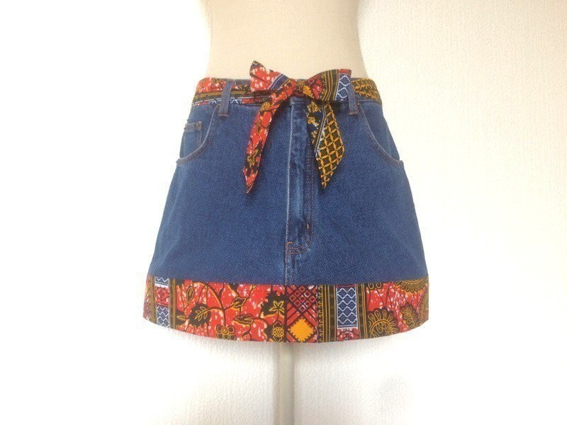 c2e57996bc889b Upcycling - T40 Mini jupe jean tissu africain - la fripe comme le rhum,  cest meilleur arrangé ! - Jupes Courtes et mini-jupes bleu, pour elle,  jean, ...