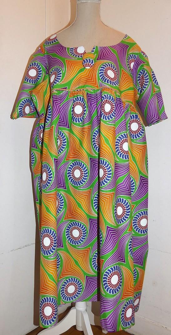 robe ample manches courtes en wax pagne africain par pagnshopea r afrikrea. Black Bedroom Furniture Sets. Home Design Ideas