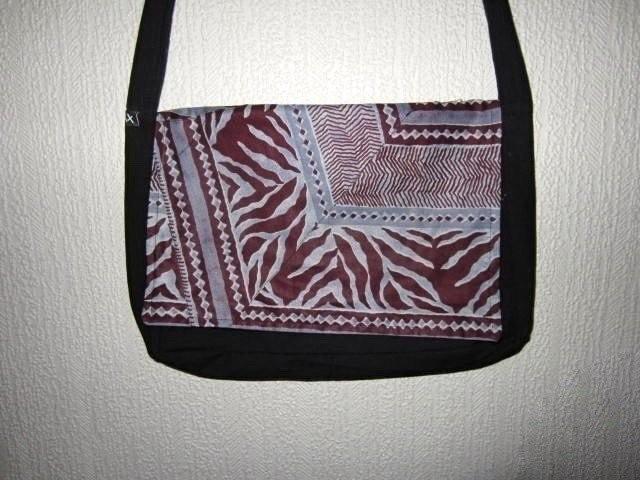 efe241c0f9 Sac besace tissu africain Wax par cewax - Sacoches, cabas, besaces ...