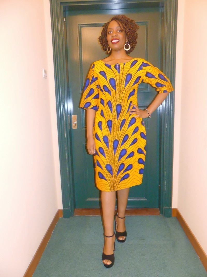 7f58474a4bf Robe droite en wax ( pagne africain ) par pagnshopea - Robes courtes ...